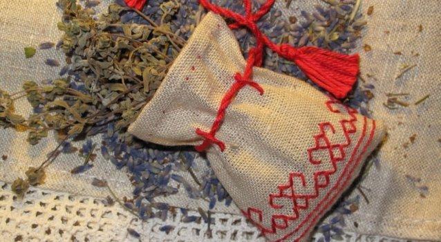 Обереги от порчи и сглаза: природные камни, травы, оберегающий мешочек, изготовление своими руками, правила ношения