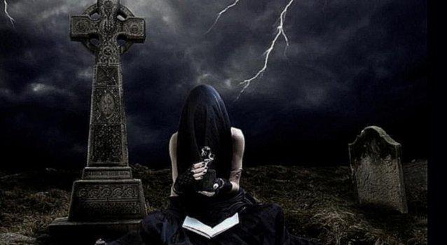 Порча на смерть: как навести, на кладбищенской земли, по фото, самостоятельно, чтобы отомстить врагу, последствия для жертвы и исполнителя
